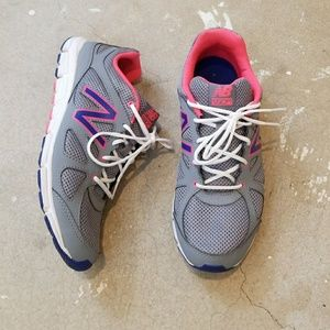 New Balance Gray and Neon Pink Tennis Shoe Sneaker